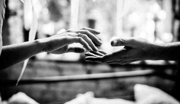 Evlilikte dokunmak...