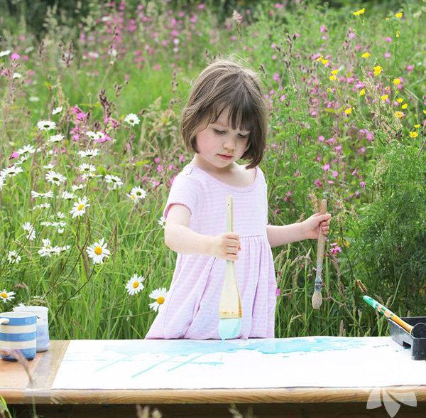 Iris Grace isimli bu minik ressama henüz 2 yaşındayken otizm tanısı konuldu...