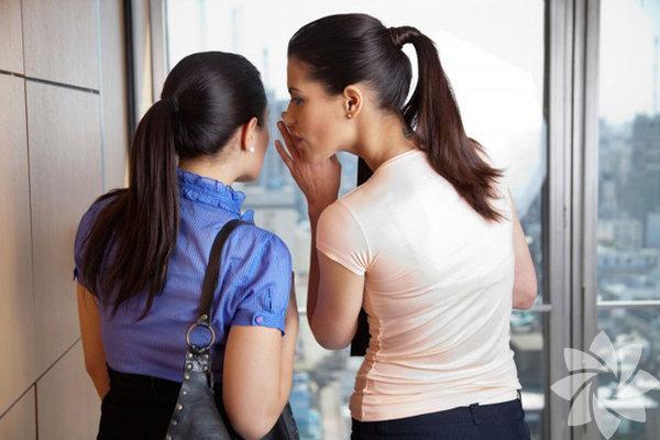 11 - Karşılaştırma Son olarak yeni sevgilinizi eski sevgiliniz ile kıyaslamak sorundan başka bir işe yaramayacaktır. Ä°lişkiniz hakkında özel konuları paylaşmak bir yana, kıyaslama yapmak yeni ilişkinize de çok zarar verecektir.