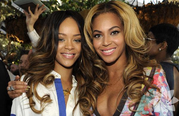 """Aralık 2013'te çıkardığı """"Beyonce"""" adlı albümü yılın en çok  satanları arasında yer alan ve 95 konserden oluşan turuyla adından sıkça  söz ettiren Beyonce, 115 milyon dolarlık geliriyle yılın en çok kazanan  kadın müzisyeni olarak listenin birinci sırasında yer aldı."""