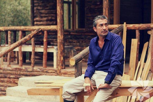 11 Aralık 1970'te, Elazığ'da doğdu.