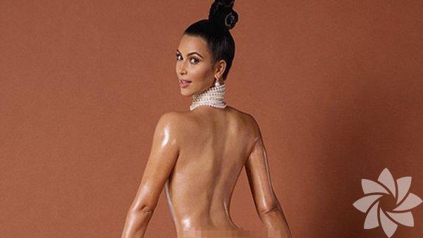 1-Brezilya Stili:  Bikini bölgesindeki tüylerin tamamen alınması anlamına geliyor. Son zamanlarda Kim Kardashian'ın gündeme bomba gibi düşen fotoğraflarından görüldüğü üzere brezilya ağdası ünlü isimlerin de tercihi. Şeker harcı; balmumu ve sakız karışımından oluşan sıcak ağdaya göre daha soğuk olduğu ve ciltten yıkanabildiği için daha avantajlıdır. Fakat acı konusunda bir değişiklik olduğu söylenemez.