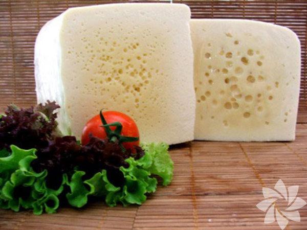 Mihaliç Peyniri - Güney Marmara       Mihalıç peyniri Bursa ve Balıkesir yöresinde, genellikle tam yağlı çiğ kıvırcık koyun sütünden yapılan tuzlu bir peynir türü. Genellikle salata ve sıcak yemeklerde kullanılan bu peynir, özellikle Susurluk tostu olarak bilinen tost içinde kullanılıyor.
