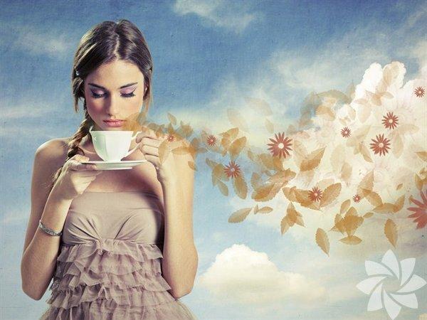 """Kendi kendinize soruyor olabilirsiniz: """"Neden daha fazla çay içeyim ki? Sağlığıma herhangi bir faydası var mı?"""" Yanıt aslında şöyle: Evet, var! İşte size çayın sağlığınıza, cildinize ve vücudunuza sağlayacağı birçok yarardan birkaç tanesi:"""