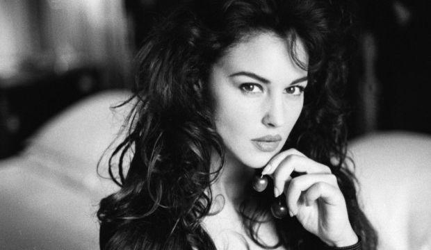 Yeni Bond kızlarından biri de Monica Bellucci...