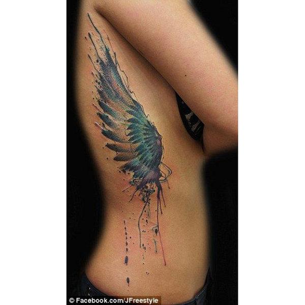 Modası hiç geçmeyen melek figürlü dövmeler...