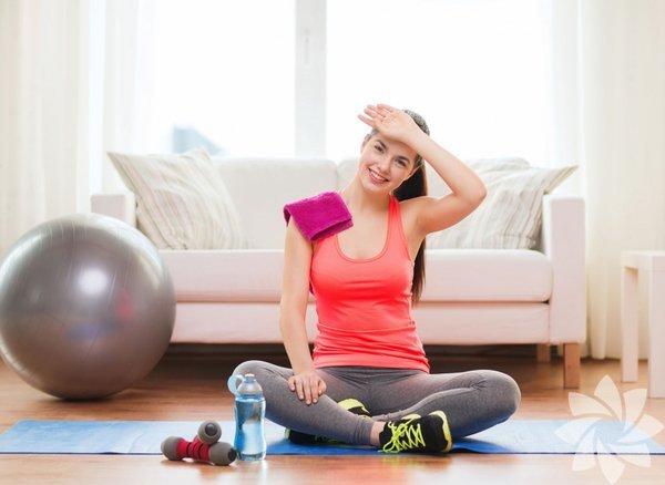 Sabahları yataktan kalktığınızda kendinizi eskimiş bir robot gibi hissediyorsanız eğer, bunun suçlusu büyük olasılıkla bağdokularınız. Bunlar, kaslarınızı, kemiklerinizi ve organlarınızı saran, birbirlerine bağlı doku ağlarıdır. Sağlıklı bağdokular, günlük ağrılarınızı azaltır, egzersizden sonra daha az yorgun olmanızı sağlar, yaralanmaları önler ve kendinizi daha iyi hissetmenize yardımcı olurlar. Sağlıklı bağdokulara sahip olmak için yapmanız gereken şu 4 harekete bir göz atın: