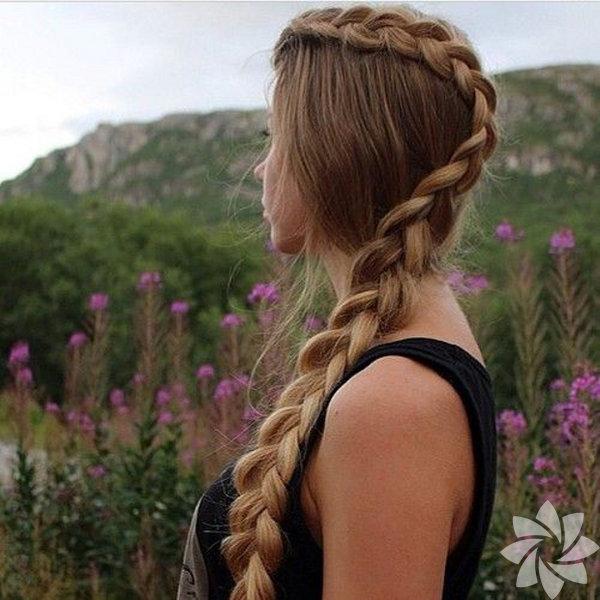 Kendi saç stilinizi örgü modellerle yaratabilirsiniz.