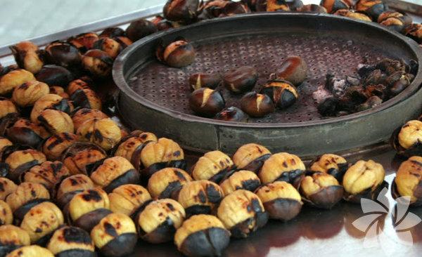 Kestane Sobada pişirmek eskilerde kalmış olsa da fırında veya tavada pişirilen kestane kış aylarınızda ağzınızı tadlandırır...