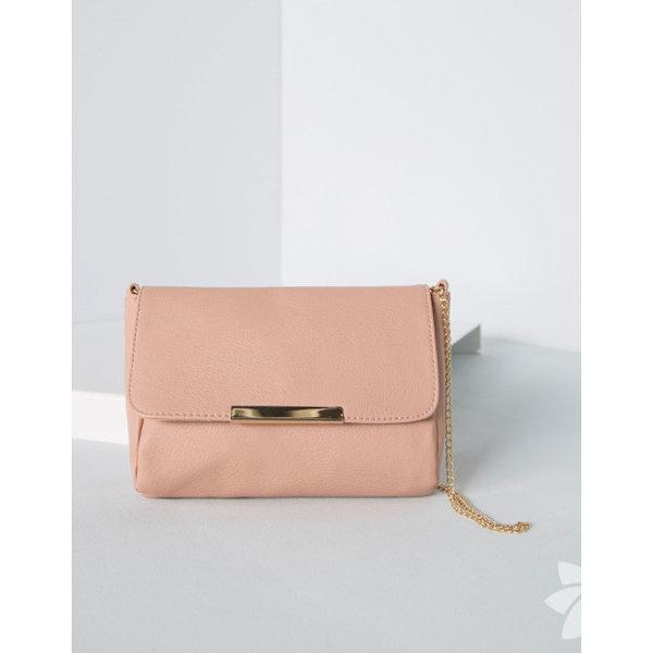 Son zamanlarda trend olan küçük çantalar...  Bershka 25.95 TL