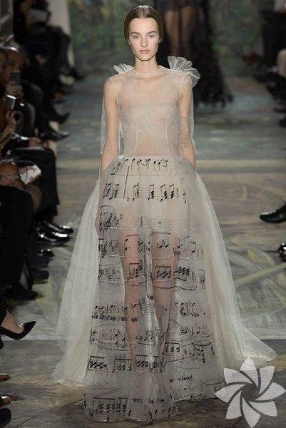 Valentino Haute Couture 2015 İlkbahar-Yaz Koleksiyonu