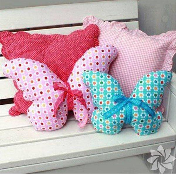 Kelebek şeklinde yastıklar