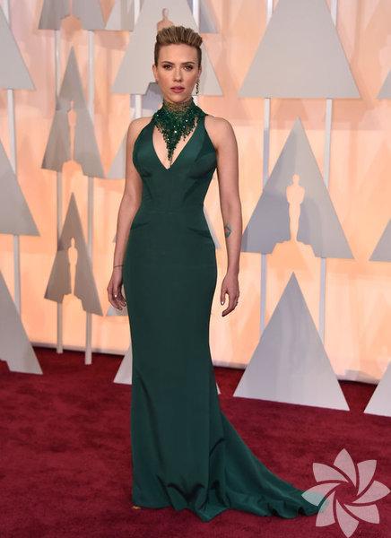 87. Oscar Akademi Ödül Töreni kırmızı halı geçidi ile başladı. İşte Hollywood yıldızları...  Scarlett Johansson