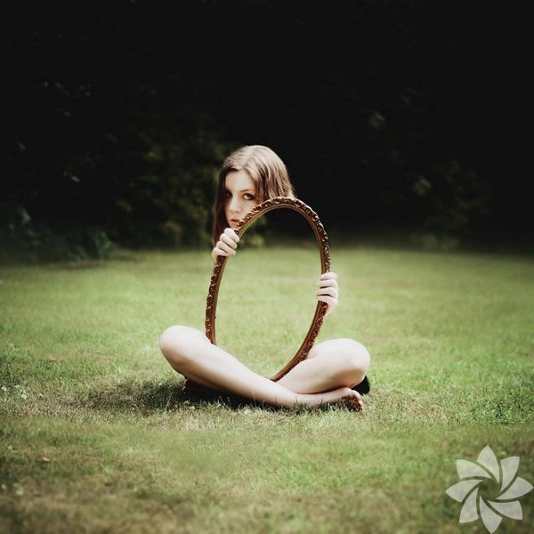 Ayna ile hileli ilginç fotoğraf kareleri...