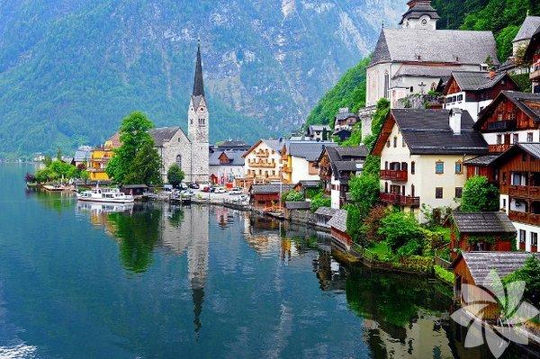 Hallstatt, Avusturya sınırları içinde yer alıyor.