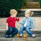 Çocuğunuza paylaşmayı öğretmenin 14 yolu