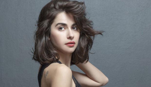Nesrin Cavadzade: Kendimi sarsmak istiyorum