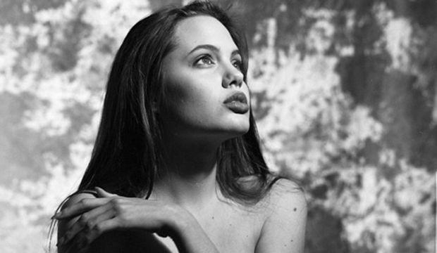 Angelina Jolie'nin 18 yaşındaki pozları yayınlandı