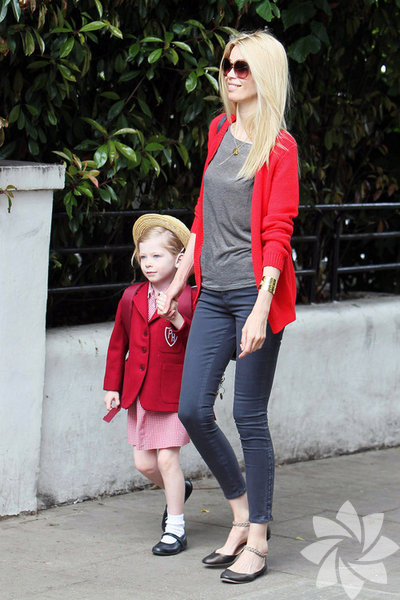 Her anne süperdir... Ancak bu kadınlar hem anne, hem de birer süper model! Claudia Schiffer