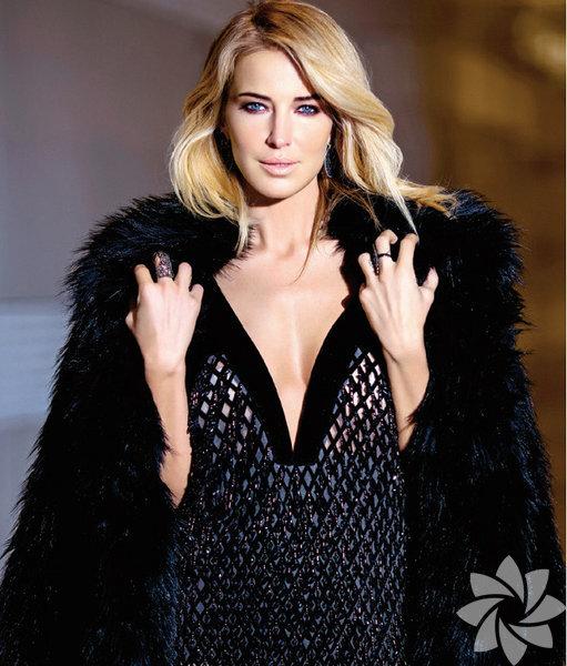 ABD'de sokak modası olarak başlayan ceketi omuza atma akımı, Türkiye'ye de sıçradı. 'Külhanbeyi modası' son dönemde ünlü isimlerin vazgeçilmezi haline geldi. Sokakta nara atan eski İstanbul külhanbeyleriyle özdeşleşen omuzda taşınan ceket, son dönemde sosyetik ve ünlü kadınların vaçgeçilmez modası haline geldi. ABD'de sokak modası olarak başlayan ceketi omuza atma akımı Türkiye'de son bir ayda sosyetik davetlerde kendini göstermeye başladı. Burcu Esmersoy, tanıtım yüzü olduğu bir markanın koleksiyonlarını ceketi omzuna attığı bir kombinle fotoğraf çektirerek tanıtmıştı.