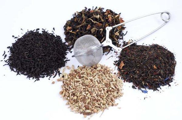 İçeriğinde yeşil çaydan daha çok antioksidan mevcuttur.
