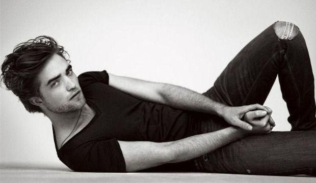 Robert Pattinson nişanlandı