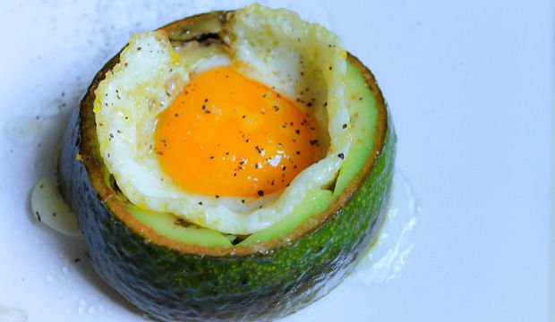 Yumurtalı avokado