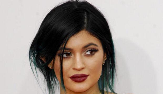 Kylie Jenner Challenge: Dudaklarda yeni trend