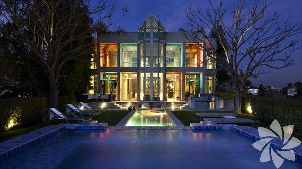 Rihanna'nın muhteşem evi