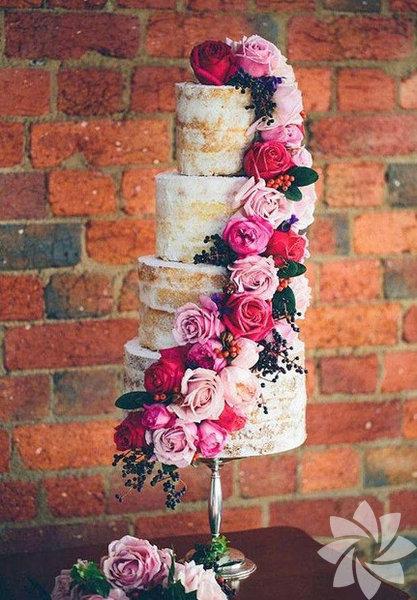 Meyveli düğün pastası