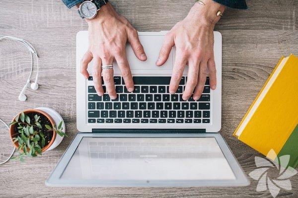 Sitesini  geliştirmek isteyen bir blog yazarı mısınız?Çoğu blog yazarı içeriğin  kalitesinin önemini bilir. Metinler yüksek kalitede olduğunda, bunun karşılığını alırsınız. Özgün ve zengin içerik size  kemikleşmiş bir okur kitlesi kazandırır ve diğer sosyal platformlarda paylaşılmasına  yarar.