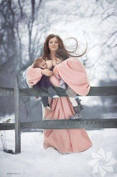 Fotoğrafçı Ivette Ivens, emziren anneleri fotoğraflayarak emzirmenin anne için de bebek için de ne kadar güzel olduğunu göstermek istedi. Ortaya muhteşem fotoğraflar çıktı!