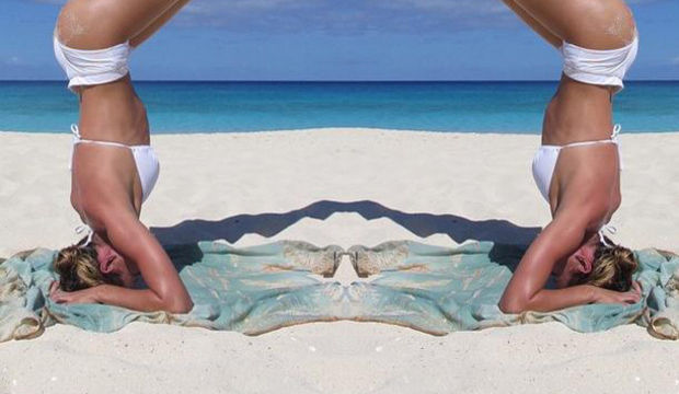 Candice Swanepoel okyanusa karşı...