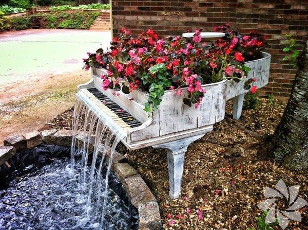 Eski mobilyaları çiçeklerle süsleme