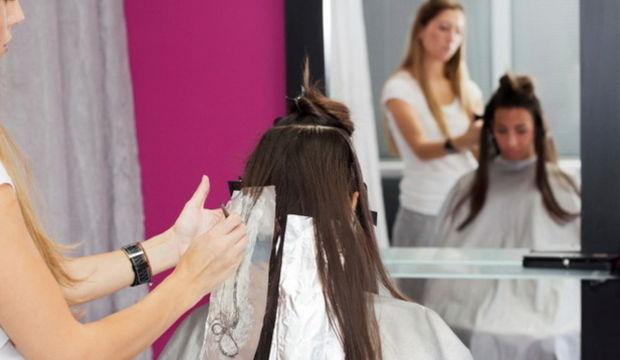 Saç boyamak orucu bozar mı?