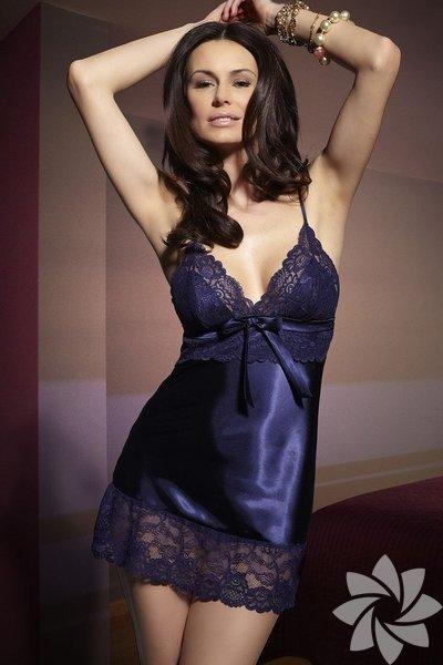 Elbiseniz iç gösteriyorsa ve içinize jüpon giymek istemiyorsanız saten gecelik giyebilirsiniz.