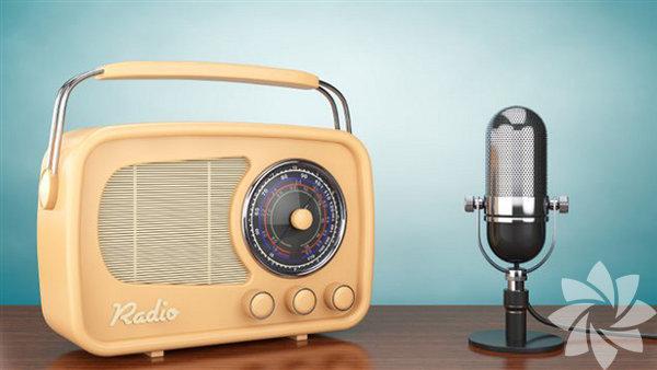 Güne müzikle başlayın Yataktan kalkmaya yeltendiğiniz an başucunuzda duran minik radyonuzu hemen açın ve güne müzikle başlayın.