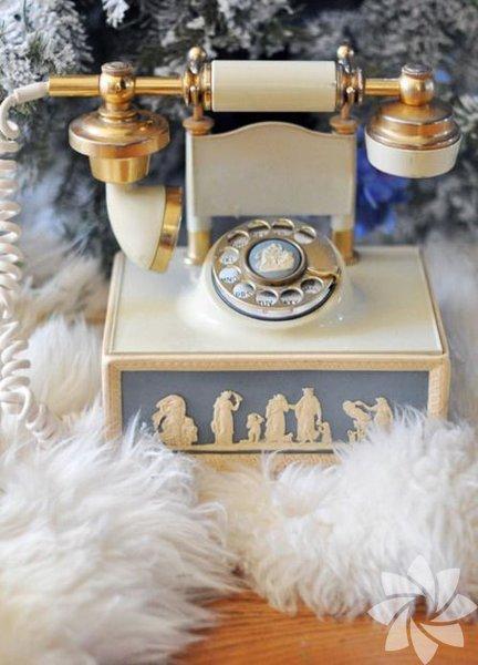 Alexander Graham Bell telefonun mucididir.