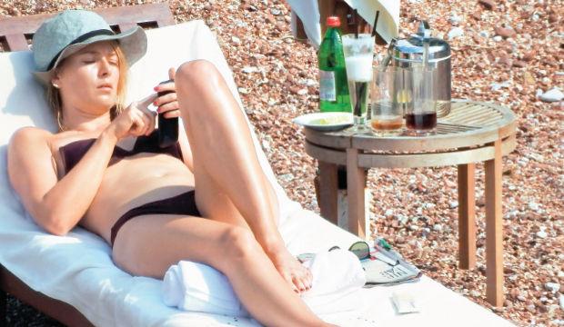 Maria Sharapova Wimbledon tesellisinde