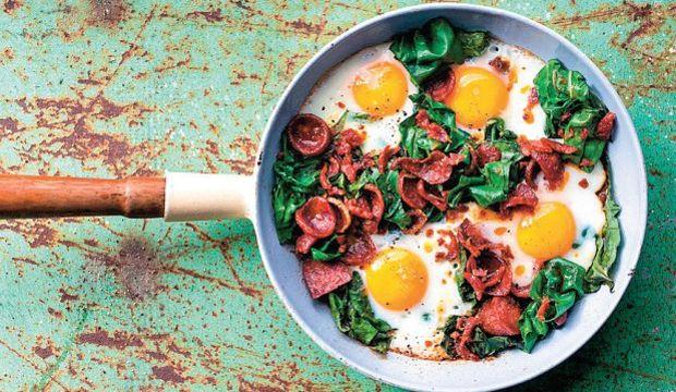 Karalahanalı sucuklu omlet