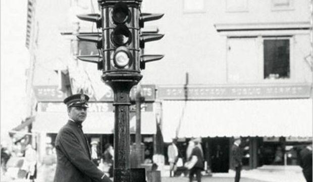 İlk Trafik Lambası 101 yaşında