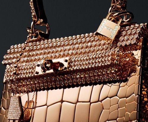d7dc54895a808 Pierre Hardy tarafından tasarlanan bu çanta Hermes'in Haute Bijuteri  koleksiyonun bir parçası ...