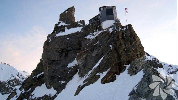 Bertol Dağ Kulübesi, İsviçre
