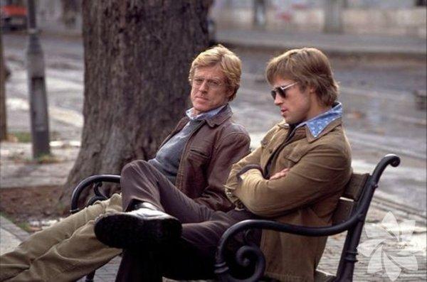 Casus Oyunu 2001 (Spy Game)  Yönetmen: Tony Scott  Tecrübeli CIA ajanı (Robert Redford) emekli olmadan önceki son mesai gününde yanında yetişen çaylak ajanı (Brad Pitt) Çinlilerin elinden kurtarmaya çalışır. Çin'le ticari anlaşma yapan ABD hükümeti ise genç ajanı feda etmeye hazırdır. Tony Scott, göz alıcı stiliyle 60'lı yıllardan 90'lara uzanan hikâyeyi geri dönüşlerle anlatıyor.