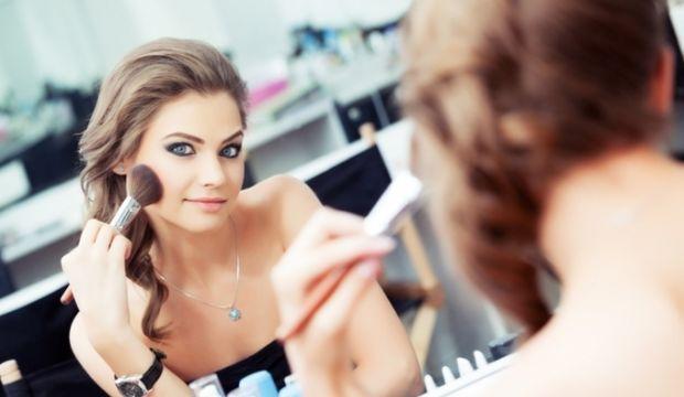 8 adımda pratik makyaj