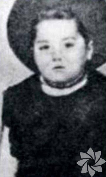 Nebahat Çehre, 15 Mart 1944 tarihinde Samsun'da doğdu.