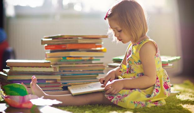 Evde çocuk kütüphanesi şart!