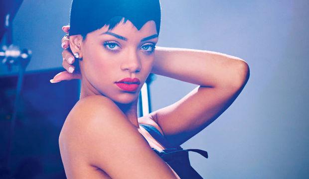 Rihanna yine bildiğiniz gibi!
