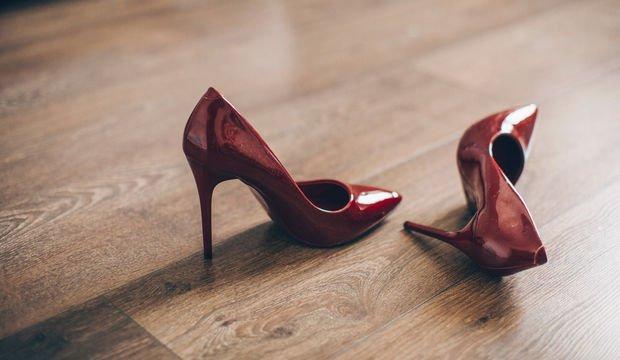 Topuklu ayakkabıyla rahat yürümenin yolları