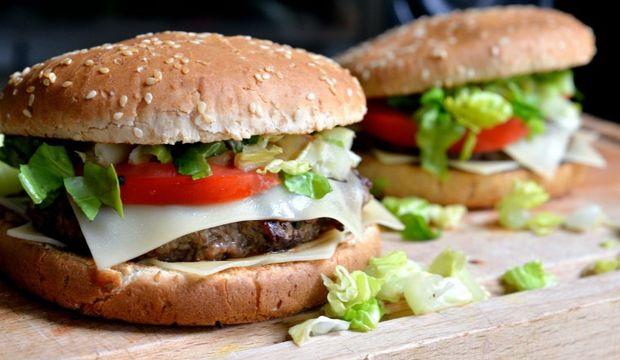 Ev yapımı hamburger
